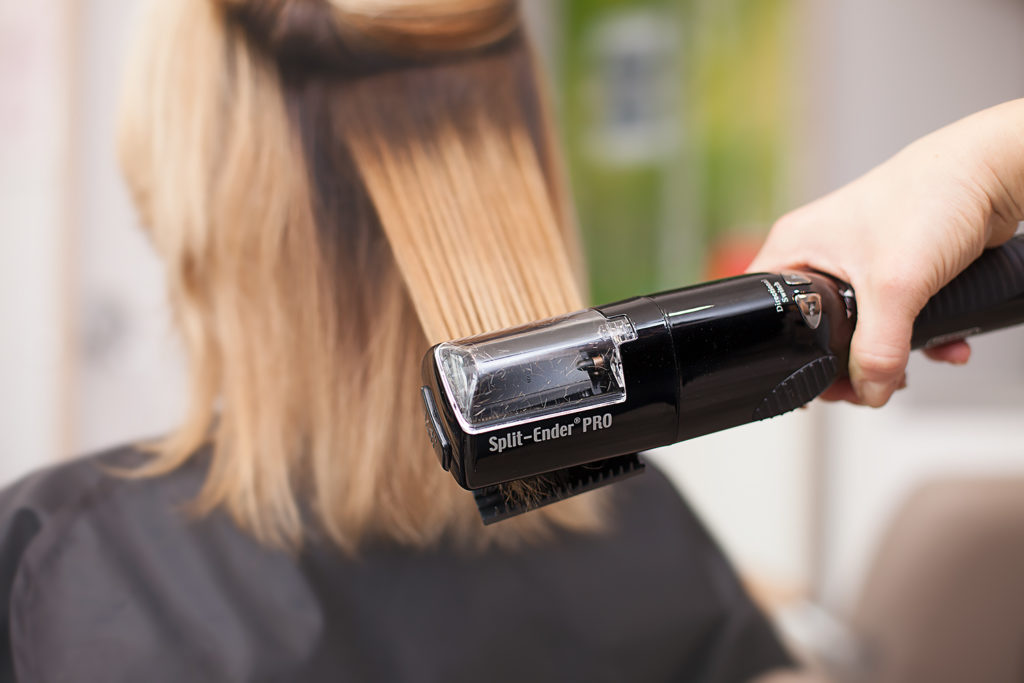 fryzjer w trakcie pandemii